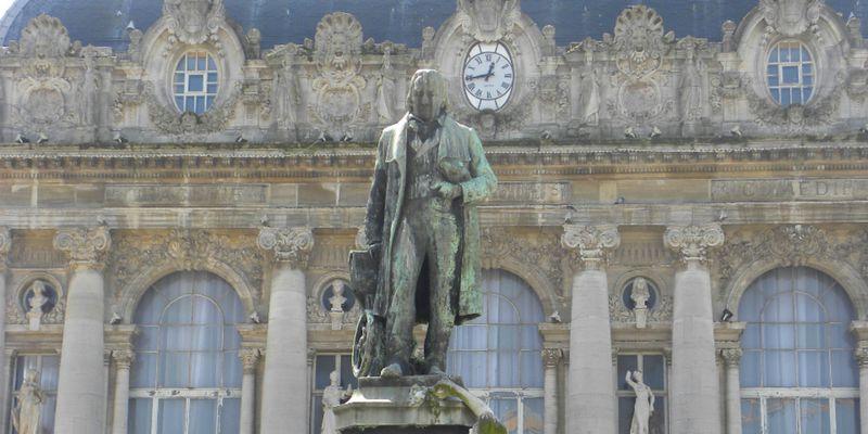 Calais, statue de Joseph-Marie Jacquard